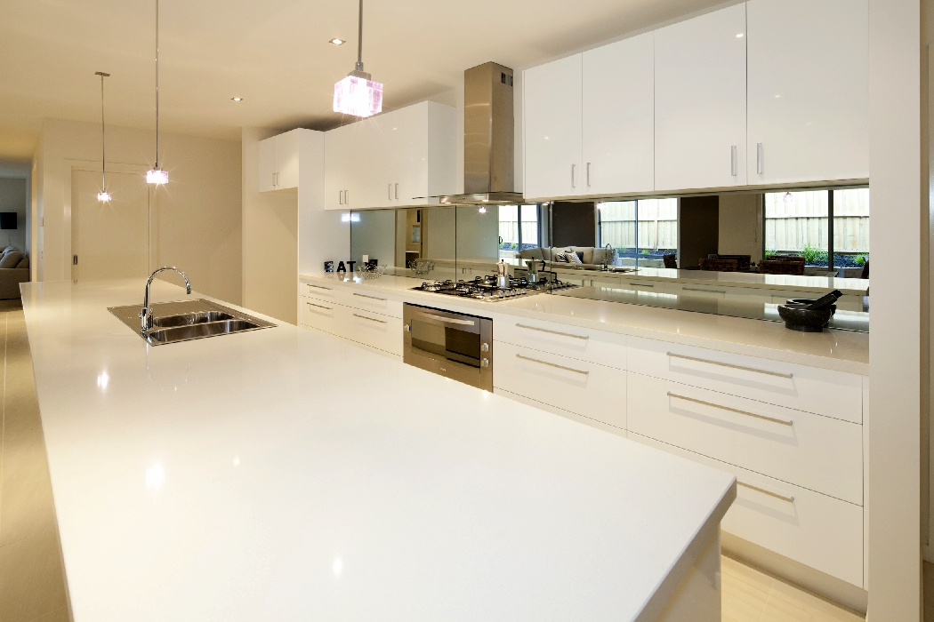 Inshore drive torquay independent builders display home for Display home kitchen gallery